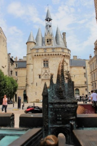 One of the old city gates surrounding the old town of Bordeaux.