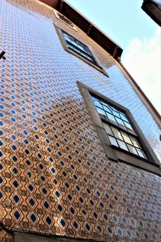 Porto - Tile Facade